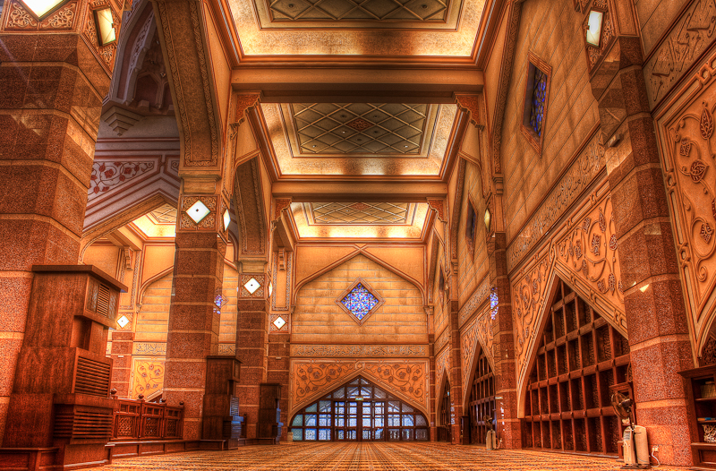 Putra mosque interior design hdr creme for Mosque exterior design