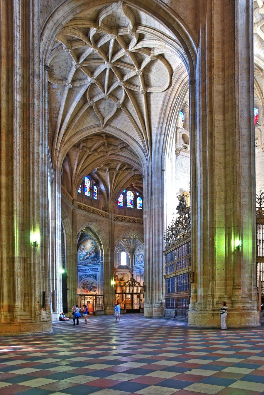 catedral de segovia  HDR creme