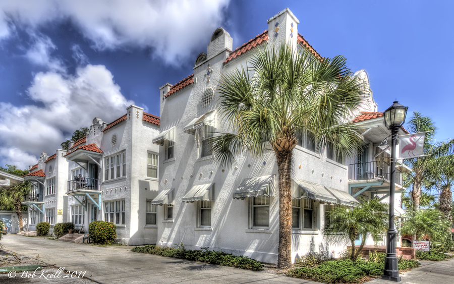 Spanish Style Apartments | HDR creme