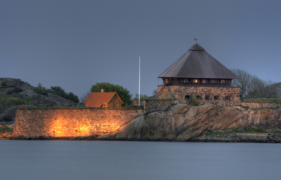 Stavern the citadel at nigth
