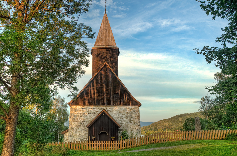 Fiskum church