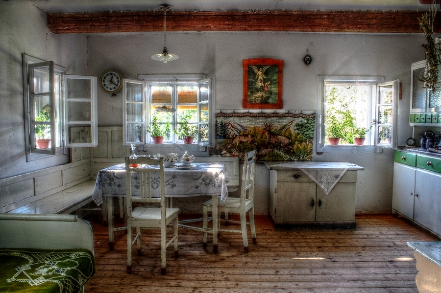 Old kitchen - HDR Photo