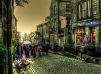 Bronte-land-main-street-haworth