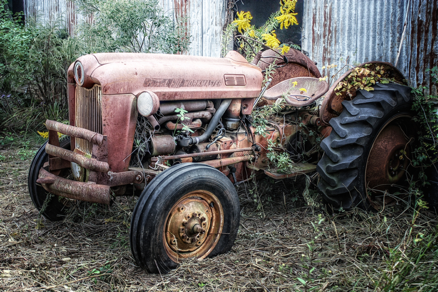 Old ford tractor