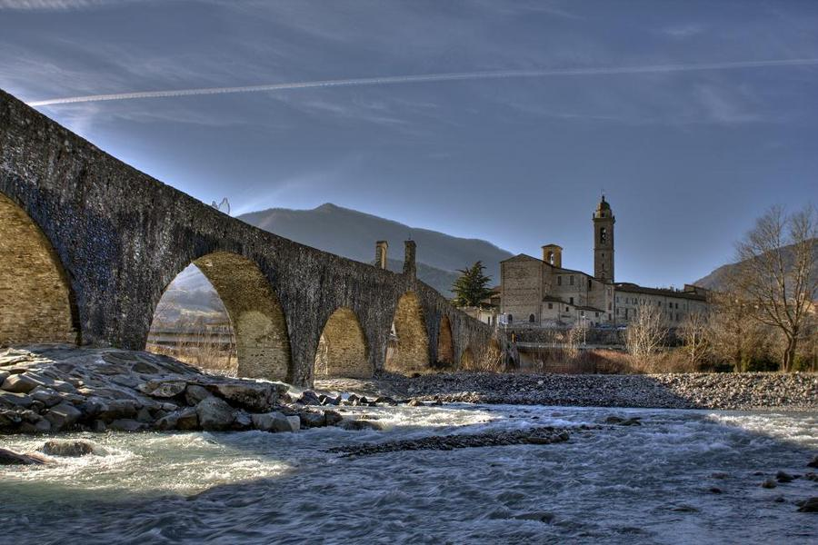 Piacenza Italy  city photo : Devil's Bridge Bobbio Piacenza Italy | HDR creme