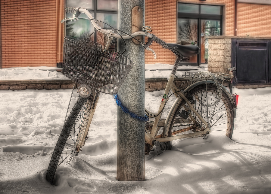 Bike-in-the-snow
