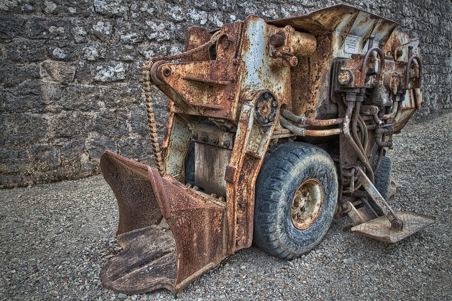 Old machinery used in mining | HDR creme