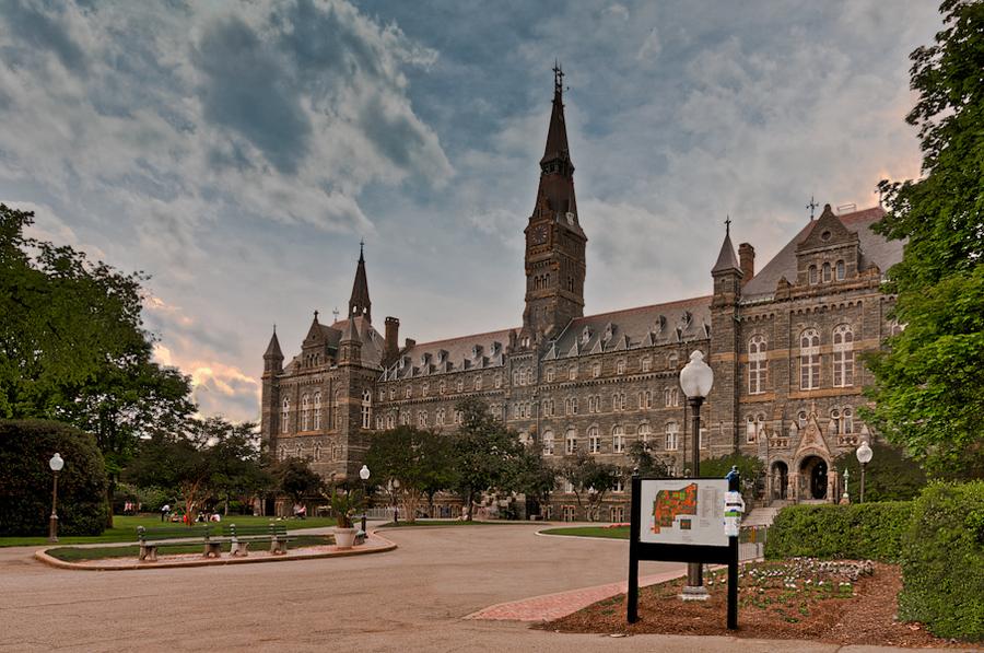 Georgetown University, Washington DC | HDR creme