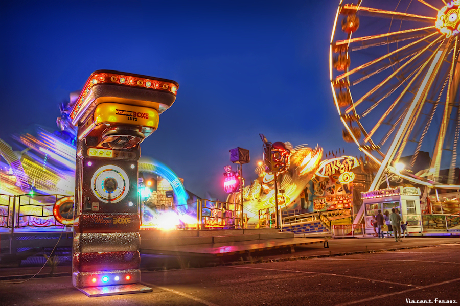 Fairground Attraction 2 | HDR creme