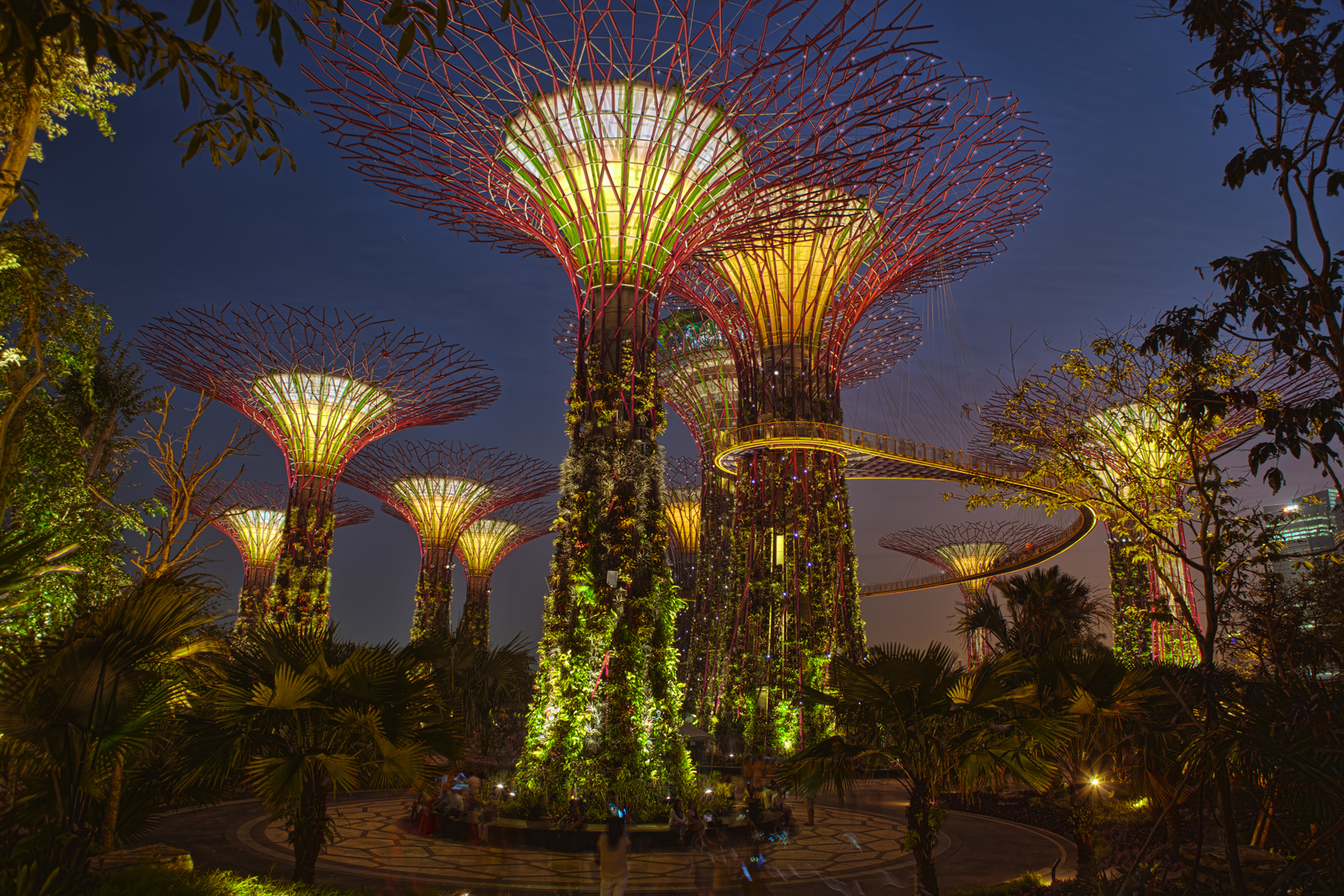Gardens By The Bay, Singapore (or Star Wars) | HDR creme