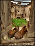 Abandoned-house-and-shoes
