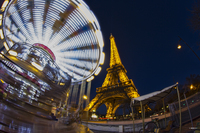 Eiffel-tower-and-carousel