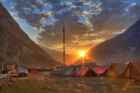 Sunrise-at-baltal-valley