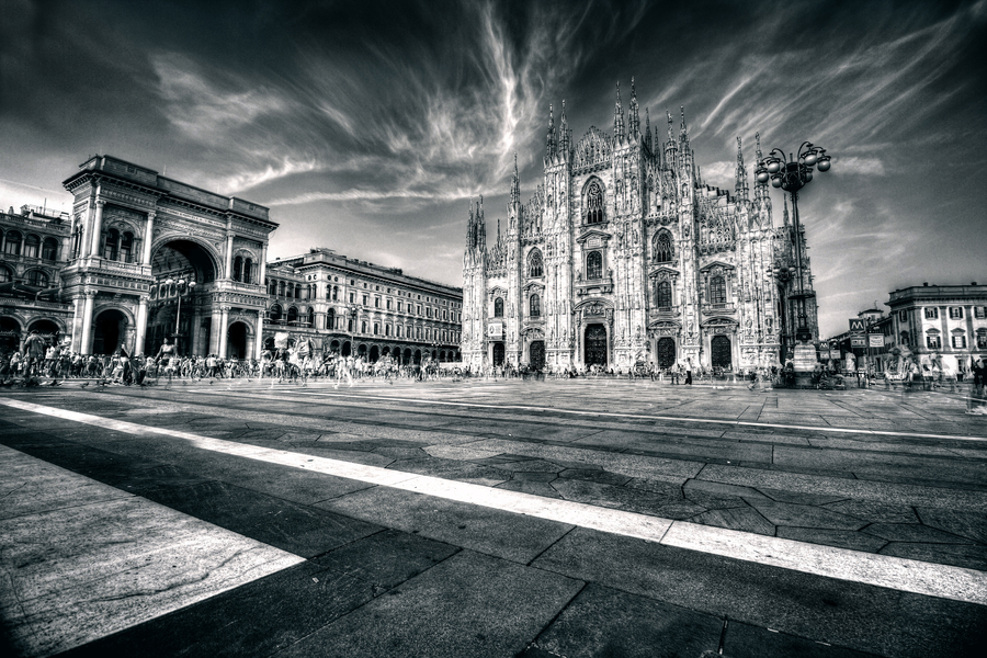 Duomo hdr b and w