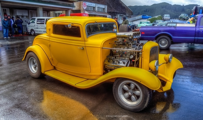 1932 ford coupe. %288%29