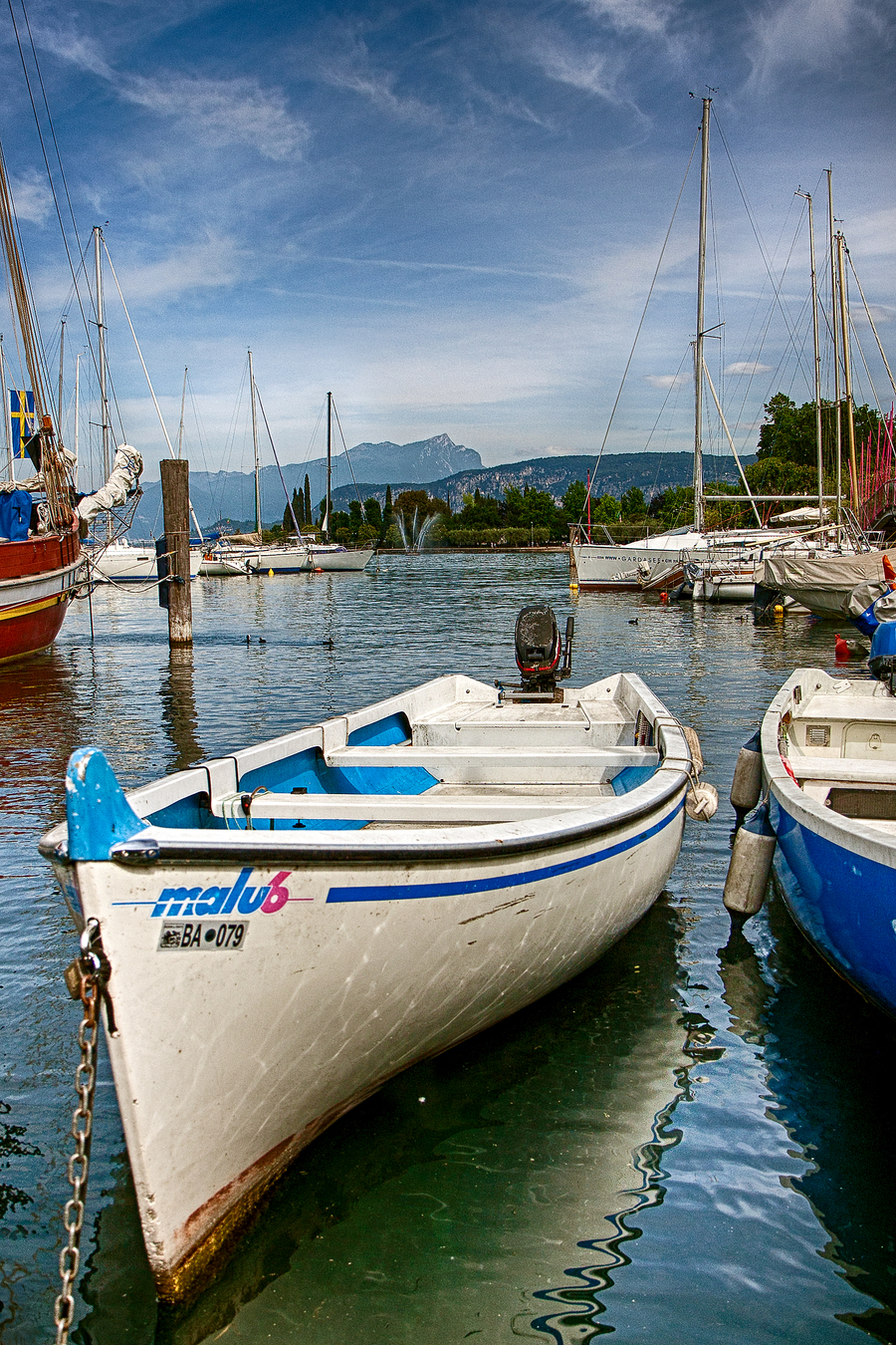 Italien17 bardolino fischerboot hdr
