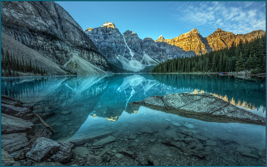 Moraine lake shoreline