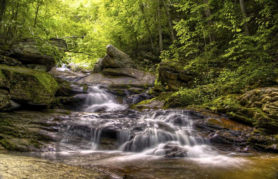 Valle crucis waterfall
